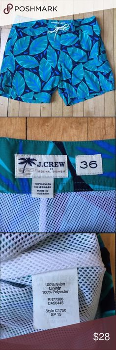 """J Crew  Board Shorts Swim Trunks Style C1750 J Crew Factory Men's 7"""" Board Shorts Size 36  Inseam 7"""" Style#C1750 Poly Meshed lined Side patch pocket with Velcro closure Keyichain loop at waistband  Gently pre-owned condition with no flaws J. Crew Factory Swim Board Shorts"""