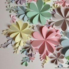 O tutorial desta semana além de lindo é super fácil. Vamos aprender a fazer flores de papel feitas com coração. Imagem e tutorial do site Marrietta. Lindas ide...