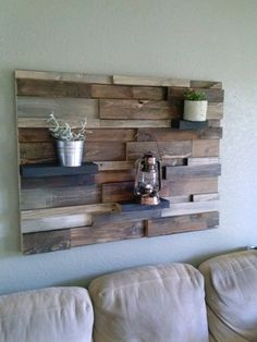 Scrap wood wall decor with planters design paredes de madera Rustic Wood Walls, Decor, Home Diy, Wooden Wall Decor, Rustic House, Wood Decor, Rustic Wood Wall Decor, Home Decor, Rustic Home Decor