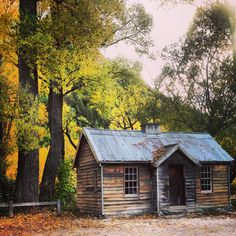 Cabin in Autumn. Arrowtown, New Zealand. Cabin in Autumn. Arrowtown, New Zealand. Image Size: 236 x 236 Source Log Cabin Exterior, White Exterior Houses, Modern Exterior, Southern House Plans, Country House Plans, Garage House Plans, New House Plans, Camping New Zealand, Around The World In 80 Days