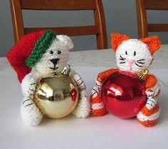Free Crochet cat and bear ornament holders