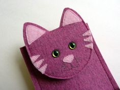Gadget case Cat in fushia designer felt for ipod by BoutiqueID Felt Crafts, Crafts To Make, Diy Crafts, Small Digital Camera, Felt Phone Cases, Sewing Crafts, Sewing Projects, Dog Quilts, Tablets