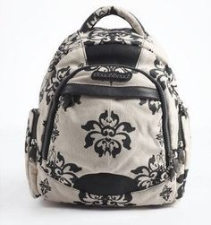 women backpack for travel.