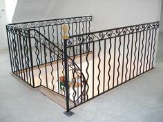 Gamme prestige : Escalier chêne avec rampe et étage modèle ferronnerie d'art spéciale