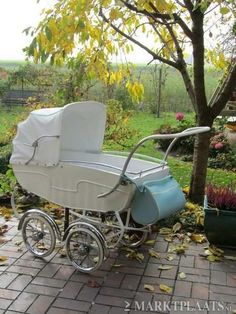 Pram Stroller, Baby Strollers, Silver Cross Prams, Baby Boy Accessories, Vintage Pram, Prams And Pushchairs, Dolls Prams, Baby Prams, Baby Carriage