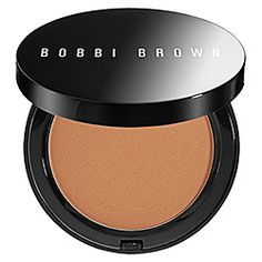 What it is:A soft matte, silky-smooth bronzer that instantly gives skin the look of a natural tan.What it does:This bronzing powder is formulated with the perfect balance of red and brown tones (that exist in a true tan) to create the most natural ef