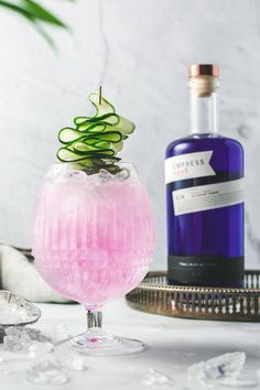 Take a break with this delightful and delicious cocktail recipe. Hints of cucumber and rosemary make the Layover a perfect drink to sit back and relax with. Gin Recipes, Gin Cocktail Recipes, Drinks Alcohol Recipes, Cocktail Drinks, Fun Drinks, Types Of Alcoholic Drinks, Spring Cocktails, Signature Cocktail, Cucumber