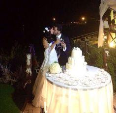 Emozioni al matrimonio. Il taglio della torta nuziale