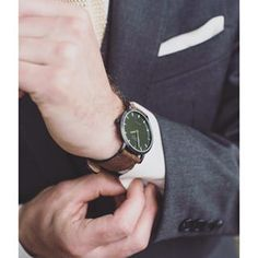 I love when a groom has great details. Like this watch from @shore_projects and a knit tie from @heimieshaberdashery. #dashing #weddingphotography #stylin #annevictoriaphotography #detailshots #goodtimes #shoreprojects #heimies