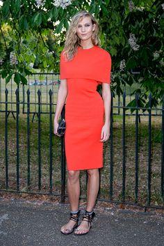 Karlie Kloss y el naranja encendido.