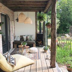 decordemon: An inspiring Dutch house in a bohemian botanical style Casa Patio, Pergola Patio, Outdoor Rooms, Outdoor Living, Outdoor Decor, Patio Design, House Design, Dutch House, Home And Living