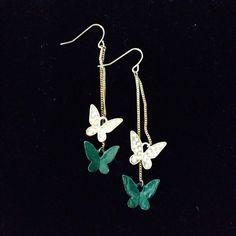 HANGING BUTTERFLY EARRINGS From top of hook to bottom butterfly: 7.5 cm Forever 21 Jewelry Earrings