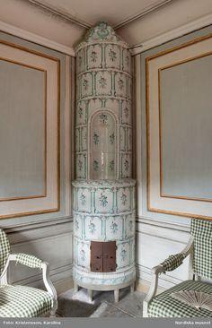 Swedish Style, Swedish Design, Scandinavian Furniture, Scandinavian Style, Swedish Cottage, Glam House, Vintage Stoves, British Colonial, Fireplace Mantle