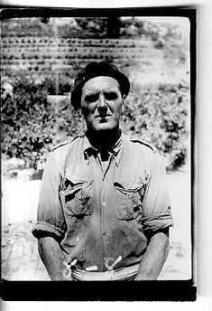 """William Young (Australia). Desaparecido en combate en septiembre de 1938, tras cruzar el río Ebro (puesto como MIA en la """"Colina 481"""". Se le califica como """"excelente soldado, valiente y políticamente confiable"""". #Historia #History #SpanishCivilWar #GuerraCivilEspañola #BrigadasInternacionales #InternationalBrigades #España #Spain #GC #Australia Ebro, Australia, Socialism, Social Stories, September, Faces"""