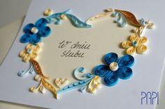 Ręcznie robiona kartka ślubna dla młodej pary wykonana w techince quilling, z motywem serca i kwiatów. Handmade by PAPI
