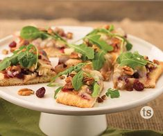 This Turkey Cranberry Flatbread Pizza is a great way to use those Thanksgiving turkey leftovers.