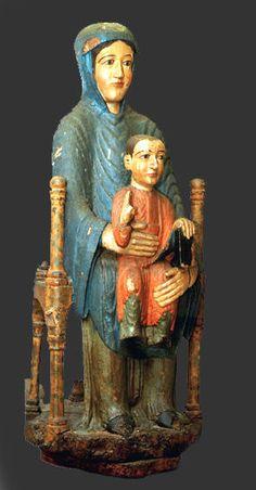 Notre Dame d'Usson, groupe en bois sculpté et peint polychrome, XIIe siecle…