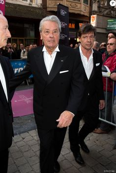 L'icône du cinéma français Alain Delon, invité d'honneur, annonce sa retraite pour la fin 2017, lors du Festival du film policier de Liège, Belgique, le 5 mai 2017.
