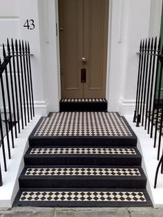 This kind of arched front doors is genuinely a superb style construct. This kind of arched front doors is genuinely a superb style construct. This kind of arched front doors is g Style Tile, Exterior Tiles, Victorian Front Doors, Victorian Porch, Black And White Stairs, Porch Tile, Victorian Front Garden, Front Door Steps, Tile Steps