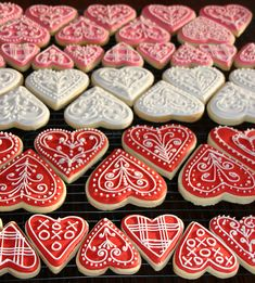Cute Sweet Things: Valentine Heart Iced Gingerbread Cookies