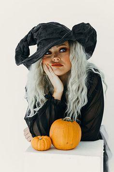 Kreatív írás kép alapján 261 Spooky Pumpkin, Adobe Photoshop Lightroom, Poses, Free Stock Photos, Costumes, Feelings, Halloween, Witchcraft, Bb