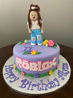 Roblox Birthday Cake, Roblox Cake, Birthday Cake Girls, 10th Birthday, Birthday Parties, 40th Wedding Anniversary Cake, Video Game Cakes, Unique Cakes, Specialty Cakes