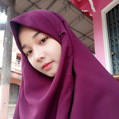 Cute Girl Always Smile Sweety - Hijab Elok Beautiful Hijab Girl, Beautiful Muslim Women, Muslim Fashion, Hijab Fashion, Women's Fashion, Cute Girls, Cool Girl, Foto Editing, Muslim Beauty