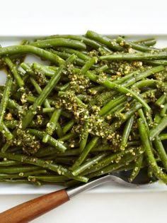 Salata de fasole verde cu sos de patrunjel - www.Foodstory.ro