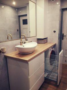 Modern Small Bathrooms, Modern Bathroom Decor, Bathroom Layout, Beautiful Bathrooms, Custom Bathroom Cabinets, Bathroom Furniture, Home Room Design, Home Interior Design, Small Toilet Room