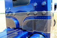 Peterbilt 379, Peterbilt Trucks, Customised Trucks, Custom Trucks, Show Trucks, Big Rig Trucks, Truck Paint Jobs, Semi Trucks For Sale, Paint Drop