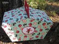 """Une nouvelle fois le conte de Perrault m'a insipré. J'avais crée une première valisette/cousette """"Petit Chaperon rouge"""" ici et une pochette à pinceaux pour ma fille ici . Avec un nouveau tissu à la boutique et les premiers rayons de soleil : une envie..."""