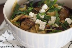 Munakoisopestopasta Potato Salad, Potatoes, Ethnic Recipes, Food, Potato, Essen, Yemek, Meals