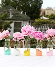 DIY : painted bottles as vases #BottleVase, #RepurposedBottles