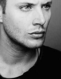 so mesmerizing.. love Jensen