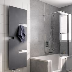 Stylisches Minibad mit Komfort: TWINLINE 2 mit Badewannentür für ...   {Duschbadewanne mit tür 68}