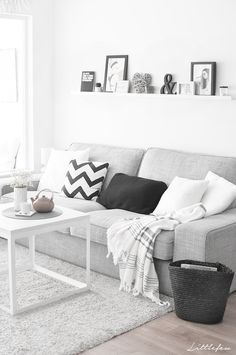 New Living Room Grey Couch Scandinavian Design Ideas Living Room Grey, Home Living Room, Living Room Decor, Interior Design Living Room, Living Room Designs, Scandinavian Living, Scandinavian Design, Living Room Inspiration, Room Style