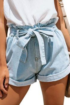 What's New // Get that perfect summer look as you choose to wear this light blue high-waist belted denim shorts. What's New // Get that perfect summer look as you choose to wear this light blue high-waist belted denim shorts. Cute Summer Outfits, Short Outfits, Trendy Outfits, Fashion Outfits, Summer Shorts, Fashion Styles, Fashion Shorts, Spring Outfits, Summer Wear
