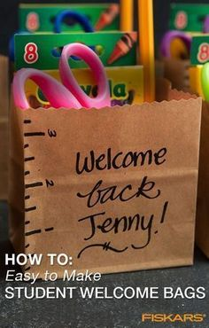 Welcome students back to school with personalized gift bags! Create little kits that will help get students excited for the school year ahead in just a few quick steps. This project is also great for parents looking to help make going back to school speci Back To School Special, Back To School Party, Back To School Night, Back To School Crafts, Welcome Back To School, 1st Day Of School, Back To School Activities, Beginning Of The School Year, School Fun