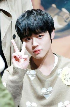 Wanna-One - Park Jihoon Cho Chang, Produce 101 Season 2, Kim Jaehwan, Child Actors, Ha Sungwoon, 3 In One, Luhan, Handsome Boys, Rapper