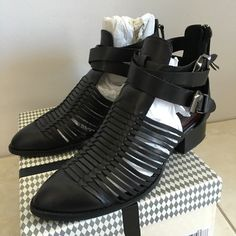 Bootielicious with a box! These JC baddies make the *click *clack noise realness when I walk and I suddenly feel like I could slay all bitches in my way Jeffrey Campbell Shoes Ankle Boots & Booties