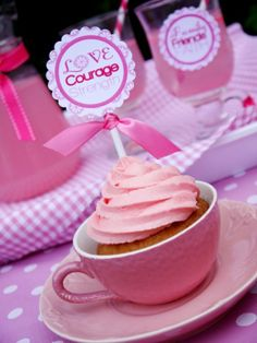 Love the cupcake in