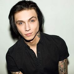 ThisCrush - Fan Crushes for Andy Biersack from Black Veil Brides Black Veil Brides Andy, Black Viel Brides, Andy Black, Asian Men Hairstyle, Asian Hair, Boys Long Hairstyles, Cute Hairstyles, Peinados Pin Up, Favim