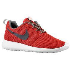 Nike Roshe Run Hommes Nylon Baskets Basses En Université Rouge/Velours Marron.Fashion shoes is here.