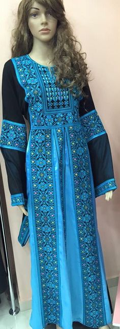 Black dresses / Tobe / Thobe / Kaftan / Abaya with Blue
