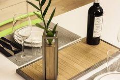 Vassoio e vaso in ferro verniciato trasparente e rovere trattato al naturale!@detailsofus #design #living #table #arredamento #homesweethome #interiordesigner #wood #handmade #vases #food #wine