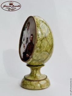 Декоративное яйцо `История`