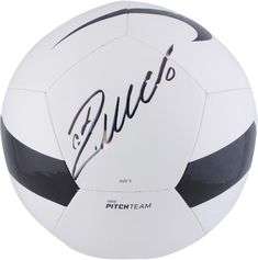 65936d2bb62 Cristiano Ronaldo Real Madrid C.F. Signed Black   White Nike Pitch Soccer  Ball Cristiano Ronaldo Juventus