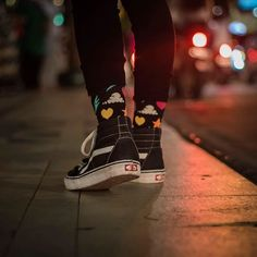 Just walkin' on by. 💕😊 📷@agungsridewi #HappySocks #HappinessEverywhere