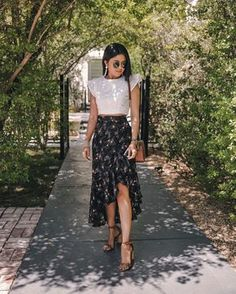 Summer Fashion Tips .Summer Fashion Tips Modest Outfits, Stylish Outfits, Cool Outfits, Floral Skirt Outfits, Midi Skirt Outfit, Midi Skirts, Look Hippie Chic, Boho Chic, Outfit Trends