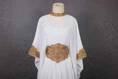 Moroccan kaftan Embroidery Batwing Maxi Dress, Dubai Sexy Arabian Abaya Boho one size fits all White Dresses etsy.com/shop/Yosika #Moroccancaftan #maxicaftandress #sequineddress #weddingdress #PARTYDRESS #plussizedress #christmasdress Moroccan Caftan, Embroidery Dress, All White, Sequin Dress, Kaftan, One Size Fits All, Dubai, Party Dress, Bell Sleeve Top